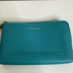 Tiffany & Co. Leather zip around pouch Teal -  New